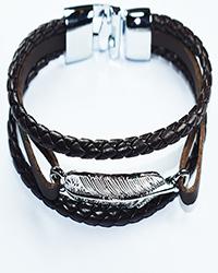 دستبند چرم طرح پر چند رج بافت مردانه