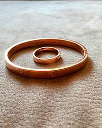 دستبند النگویی و انگشتر کارتیر رنگ رز گلد