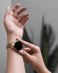 ساعت LED بند فلزي رزگلد مدل Ronas